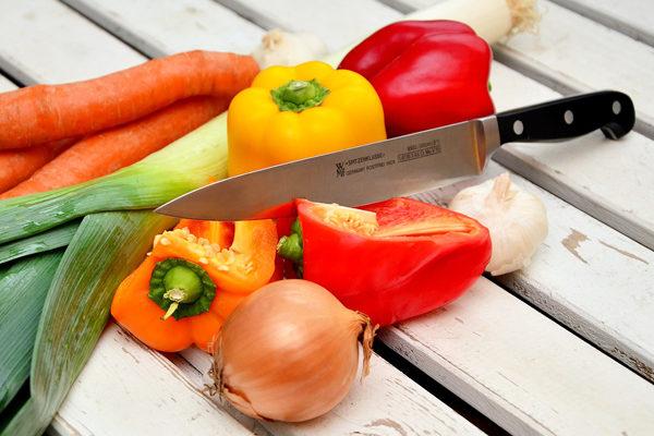 Bıçak Nasıl Bilenir? Evde 6 Kolay Yöntemle Daha Sivri Bıçaklar! Tarifi