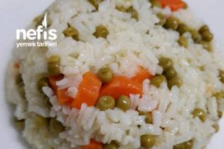 Havuçlu Bezelyeli Pirinç Pilavı Tarifi