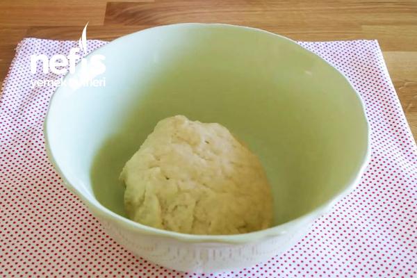 Kaşarlı Soslu Ekmek