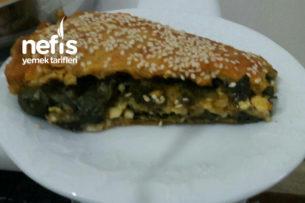 Teremyağlı Ispanaklı Börek (El Açması) Tarifi