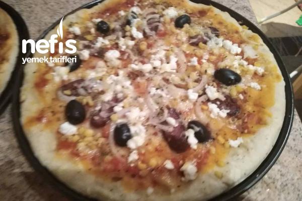 Ev Yapımı Sucuklu Pizza Tarifi
