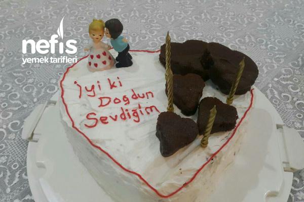 Teremyağlı Kalpli Özel Gün Pastası Tarifi