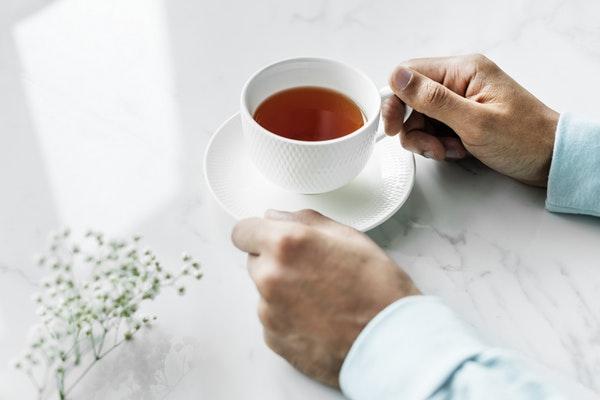Halıdan Çay Lekesi Nasıl Çıkar? 7 Pratik Adımda Lekeleri Yok Edin! Tarifi