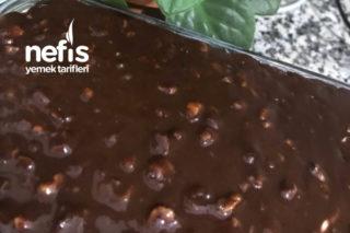 Nefis Kakaolu Çikolatalı Fındıklı Soslu Pasta Tarifi