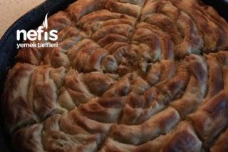 Patlıcanlı Soğanlı Börek Tarifi