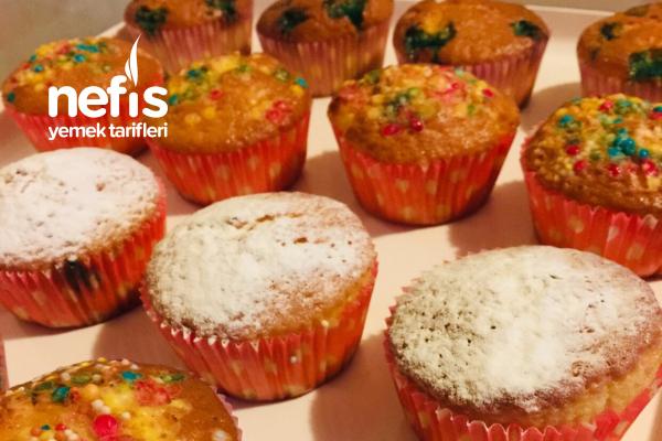 Sade Muffin (Üstü Süslü) Tarifi