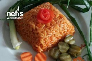 Et Yemeklerinin Yanına Havuçlu Arpa Şehriye Pilavı Tarifi