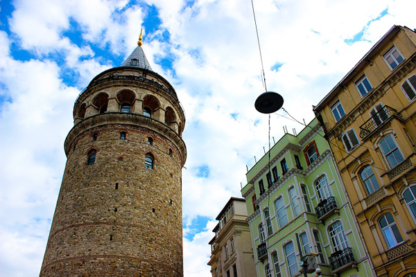 galata kulesi hikayesi