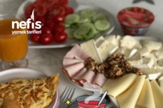 Kahvaltı Sunumum (Peynirli Nefis Omletli) Tarifi