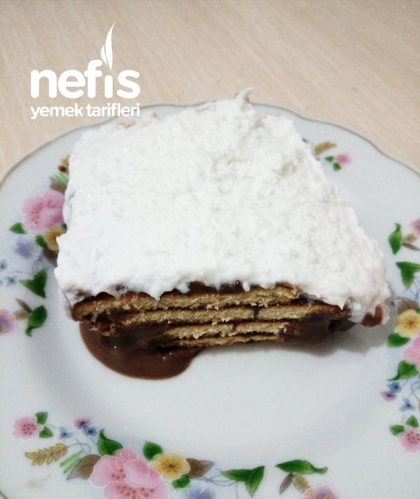 Krem Şantili Pudingli Bisküvi Pastası