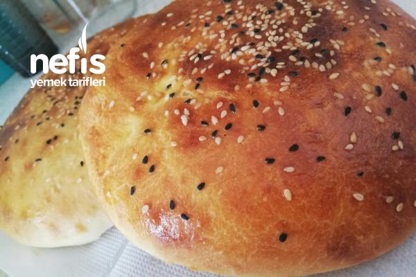 Ev Yapımı Yumuşacık Ekmekler Tarifi