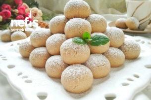 4 Malzemeli Yedikçe Yedirten Lokmalık Kurabiye Tarifi