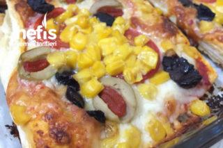 Milföy Hamurundan Vejeteryan Pizza (Resimli Anlatım) Bayılacaksınız Tarifi