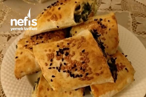 Ispanaklı Tahinli Çıtır Börek Tarifi
