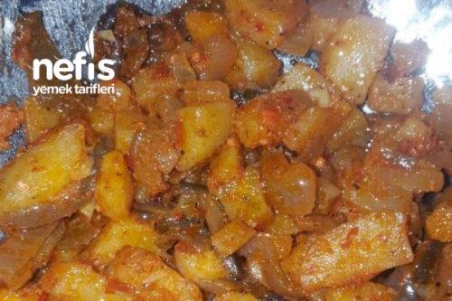 Patatesli Ve Soğanlı Yemek (Kahvaltı İçin Çok İyi) Tarifi