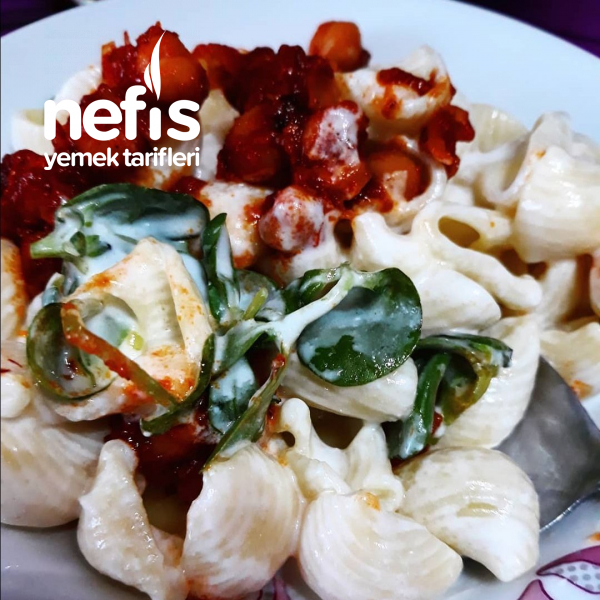 Üzeri Nohutlu Semizotlu Makarna Salatası ( Harika)