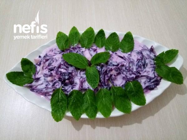 Yoğurtlu Kırmızı Lahana Salatası