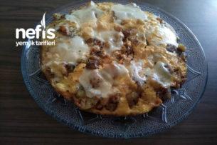 Patatesli Soğanlı Kaşarlı Omlet Tarifi