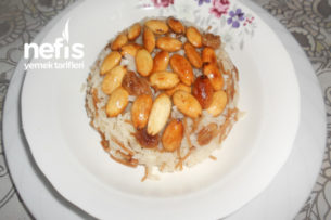 Sarı Üzümlü Bademli Zeytinyağlı Pirinç Pilavı Tarifi