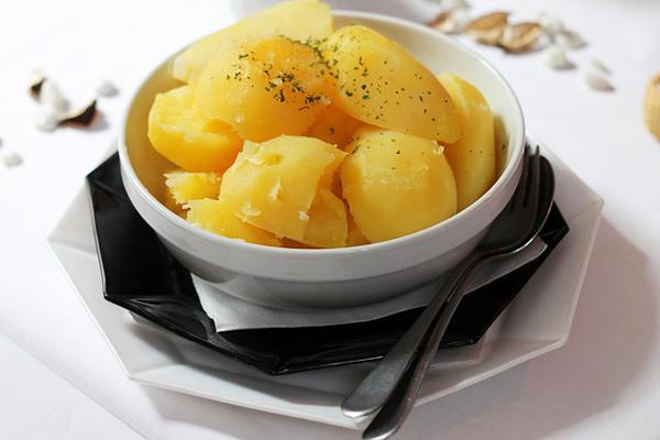 patates kaç dakikada haşlanır