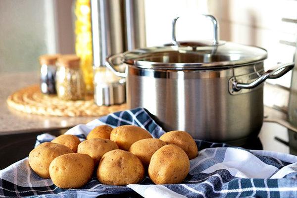 Patates Nasıl Haşlanır? Kaç Dakikada Haşlanır? Hızlı, Pratik Bilgiler Tarifi