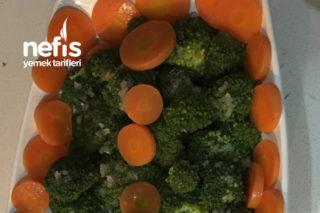 Yemyeşil Brokoli Salatası Tarifi