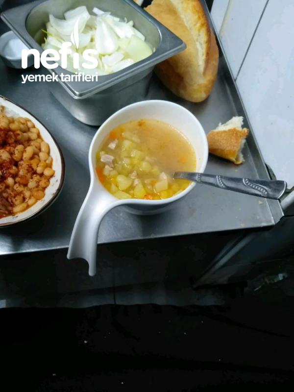 Hastalara Şifalı Tavuklu Çorba