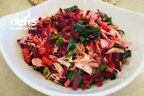Ispanaklı Pancar Salatası Tarifi