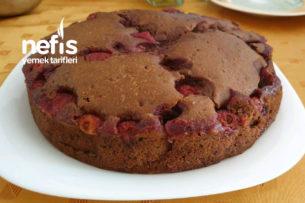 Çilekli Parça Çikolatalı Kek Tarifi