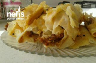 Kıymalı Böreğim (Parmaklarınızı Yiyeceksiniz) Tarifi