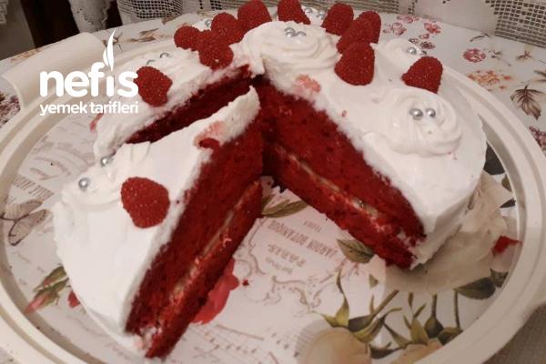 Kolay Kırmızı Kekli Pasta (Borcamda) Tarifi