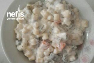 Az Malzemeli Makarna Salatası Tarifi