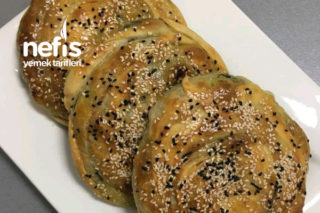 El Açma Ispanaklı Peynirli Börek Tarifi