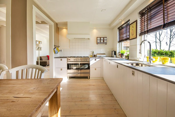 Mutfak Dolapları Nasıl Temizlenir? 6 Kolay Püf Noktası Tarifi