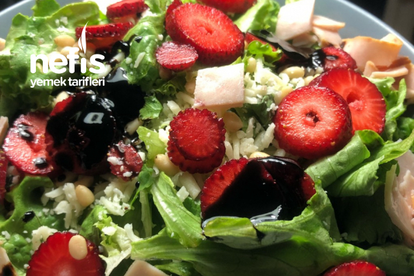 Çilekli Jambonlu Salata Tarifi