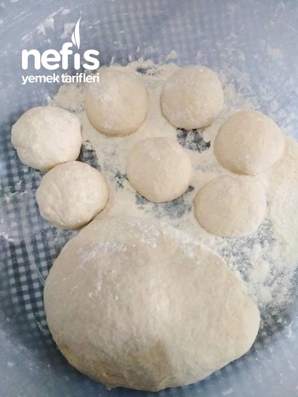 Domatesli Çörek ( Anne Eli Değmiş Gibi)