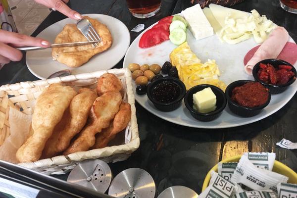 pişi breakfast