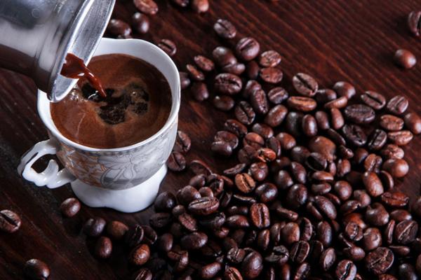 Kahve Peelingi Nasıl Yapılır? 5 Adımda Yepyeni Bir Cilde Ne Dersiniz?
