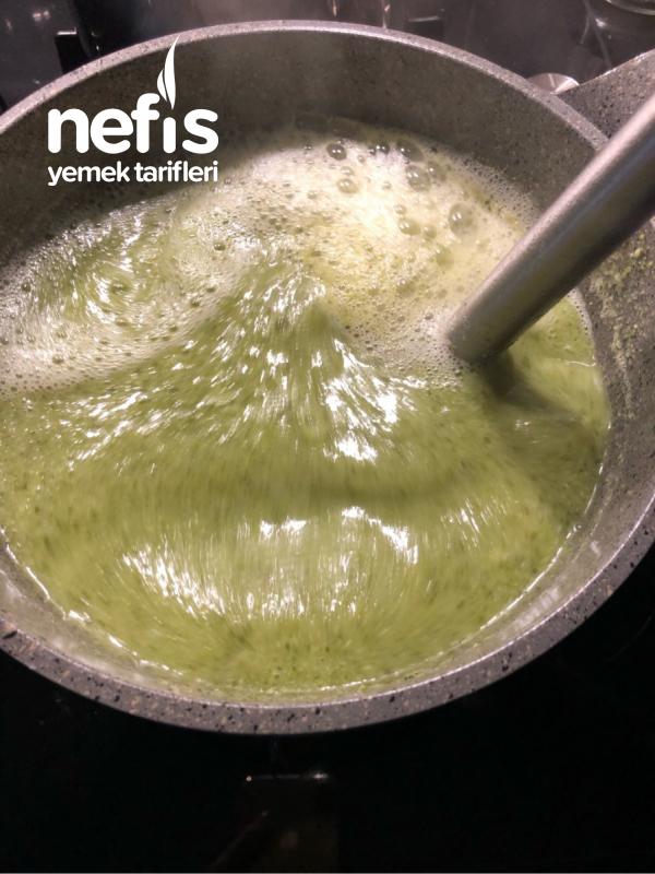 Brokoli Corbasi (labneli)