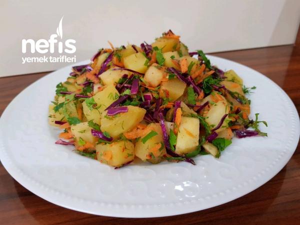 Patates Salatası (Lezzet ve Renk Cümbüşü)