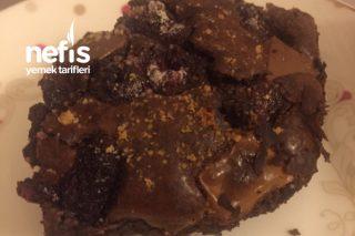 Beyaz Çikolatalı & Frambuazlı Browni Tarifi