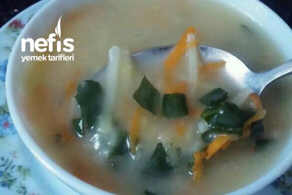 Gökkuşağı Çorbası (Vitamin Deposu) Tarifi