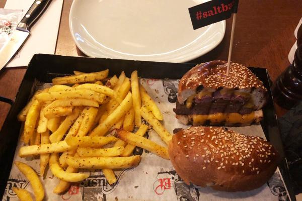 nusret burger menü