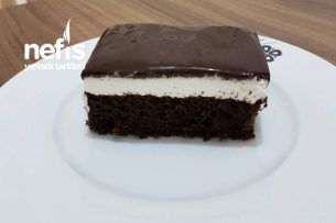Müthiş Ağlayan Pasta (Nefis Çikolata Sosuyla) Tarifi