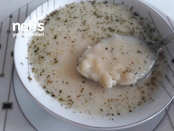 Şehriyeli Yayla Çorbası