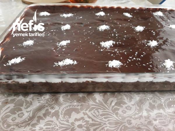 Çikolata Soslu Ağlayan Kek