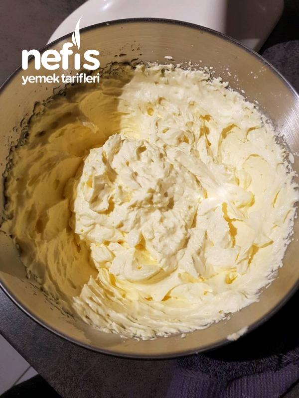 Kolay Yumuşacık Tabanli Frambuazli Pasta