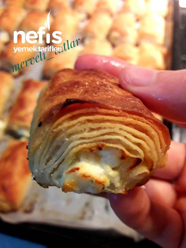 Peynirli Çıtır Börek (El Açması Tadında)