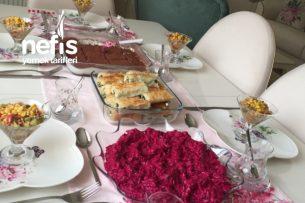 Arkadaşlarla Beş Çayı Masası Tarifi