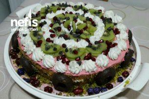 Meyveli Yaş Pasta (Labneli Beyaz Çikolata Kremalı) Tarifi